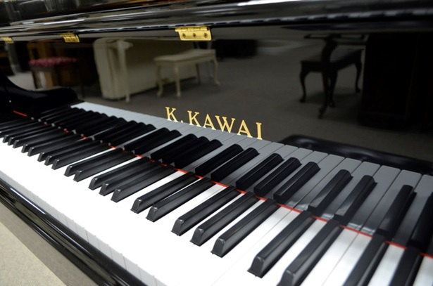 ban phim dan grand piano kawai gs-50