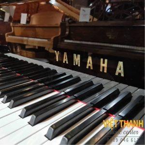 logo piano yamaha c7b