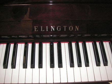 ban phim piano Elington U300M