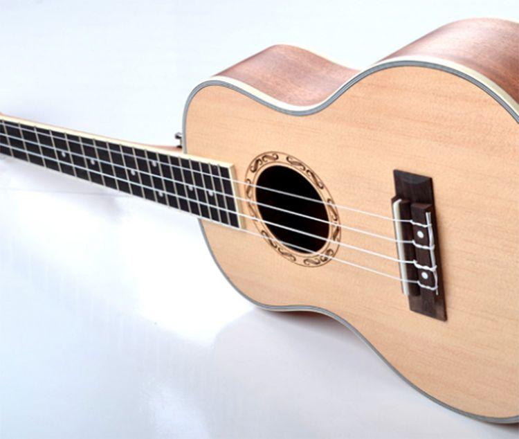 dan ukulele Odery Eyedentity EYE 115