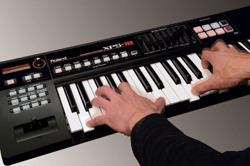 dan organ Roland XPS-10