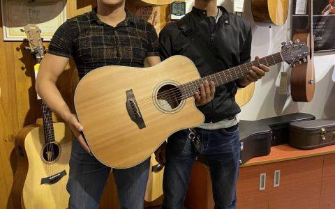 Chọn đàn Guitar Acoustic có EQ với ngân sách tốt nhất