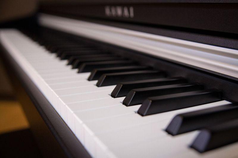 ban phim piano dien Kawai KDP-70B