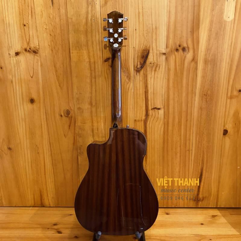 mat sau guitar Fender CC-60SCE