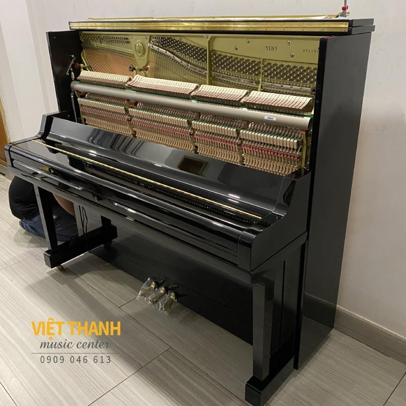 bo may co piano Yamaha YUS5