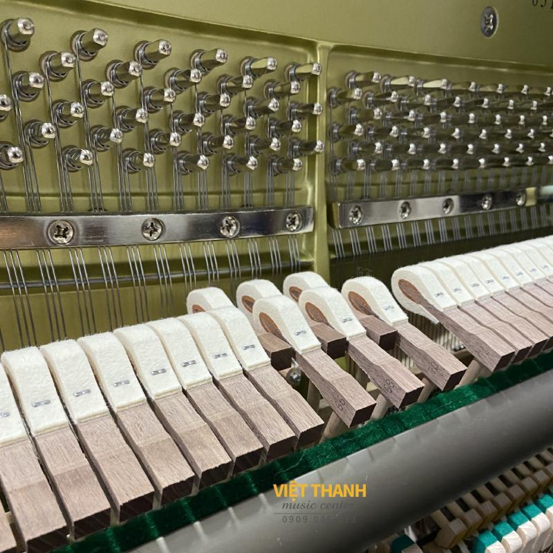 bua dan piano Yamaha YUS5