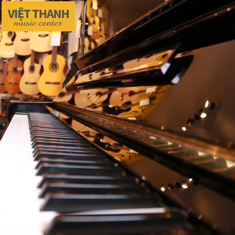 ban phim dan piano yamaha u3e
