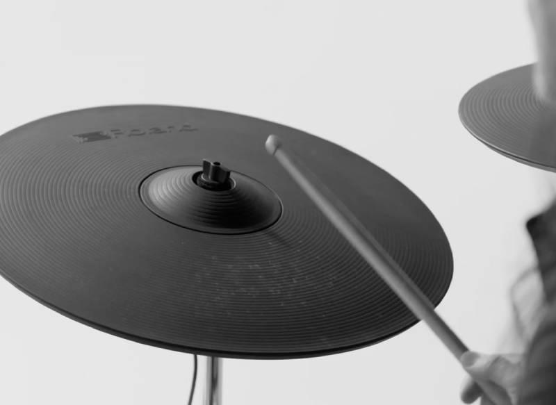 Cymbal cua trong dien roland td-50kvx