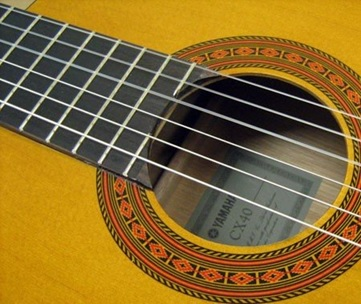 thung dan guitar classic