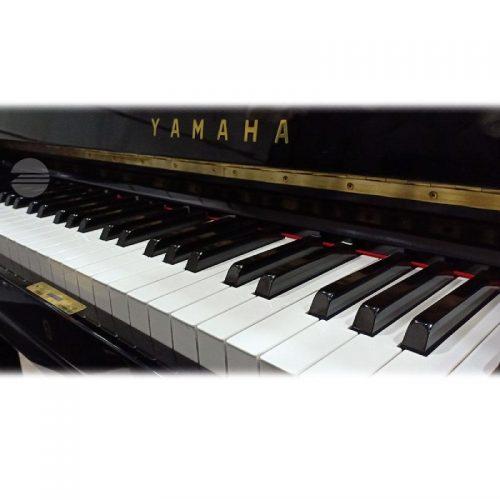 ban phim Yamaha U3E