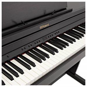 ban phim piano Roland RP501R