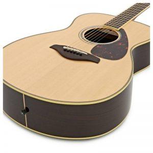 dan guitar Yamaha FS830