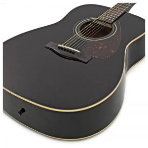 guitar Yamaha F370 mau den