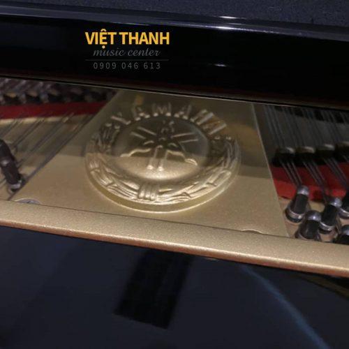 logo gan tren piano yamaha g5e