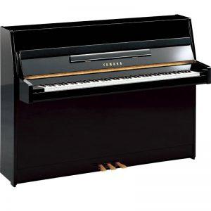upright piano Yamaha JU109