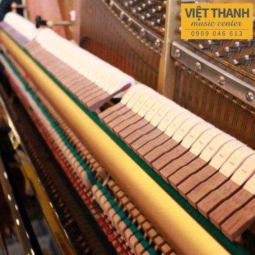 bua piano Yamaha UX3