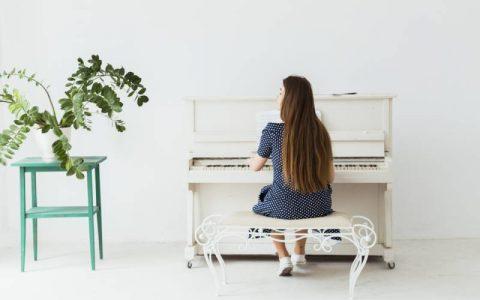Top 5 cây đàn piano cơ mới nên mua vào tháng 11