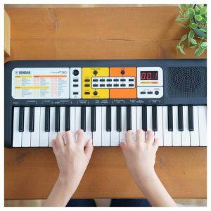 dan organ tre em Yamaha PSS F30