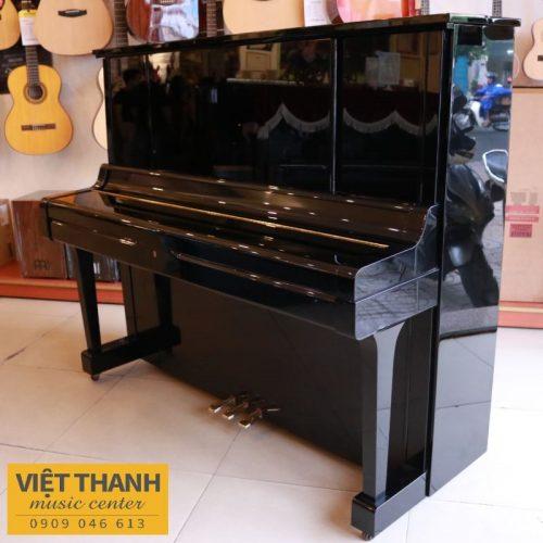 dan piano Yamaha UX3
