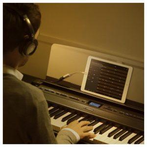 hoc dan tren piano dien Yamaha P-515