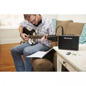 ket noi ampli Blackstar Fly 3 Pack voi guitar dien