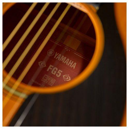 lo thoat am guitar Yamha FG5