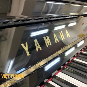 logo piano yamaha u10a