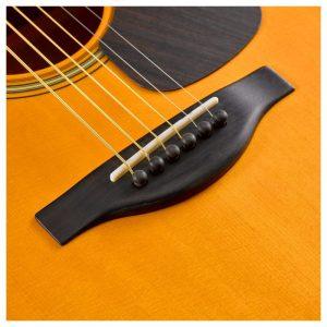 mat phim dan guitar Yamha FG5
