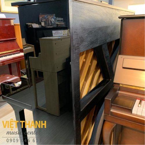soundboard chu X tren dan piano yamaha u30bl