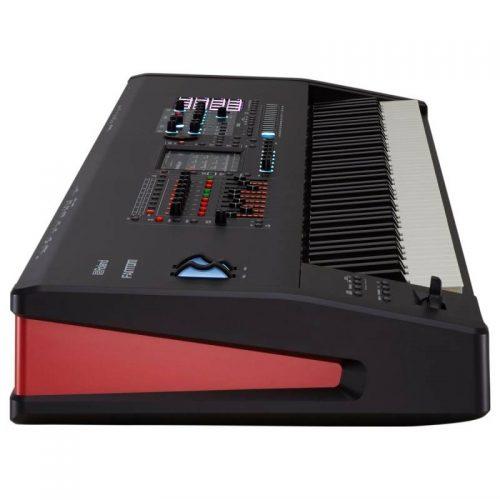 dan keyboard Roland Fantom 8