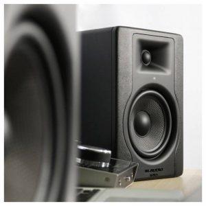 loa kiem am phong tu M-Audio BX5D3