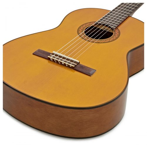 thung dan guitar Yamaha C70