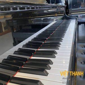ban phim piano Yamaha C3B