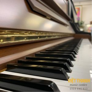 ban phim piano Yamaha U100WN