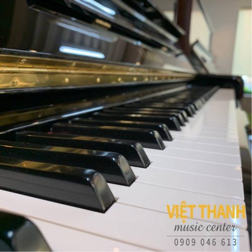 ban phim piano Yamaha U300