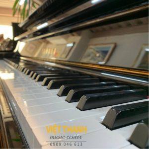 ban phim piano Yamaha UX300