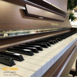 ban phim piano Yamaha W110BW