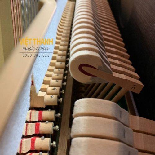 bua dan piano Yamaha UX10A