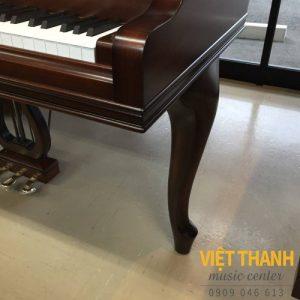 chan cong cua dan grand piano Yamaha G2ACP
