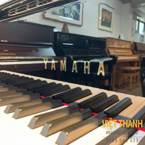 logo dan grand piano Yamaha G3B