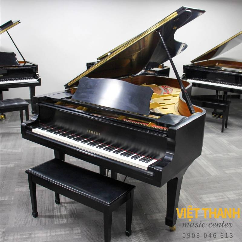 piano grand Yamaha C7