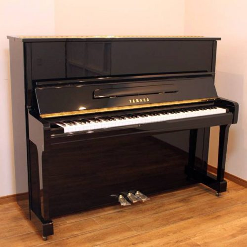 piano yamaha u100