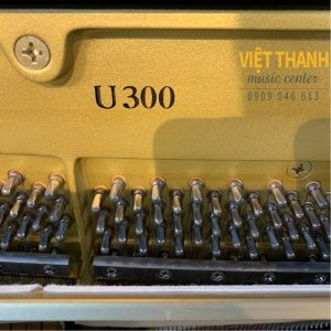 pin piano Yamaha U300