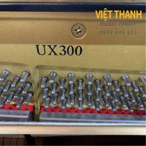 pin piano Yamaha UX300