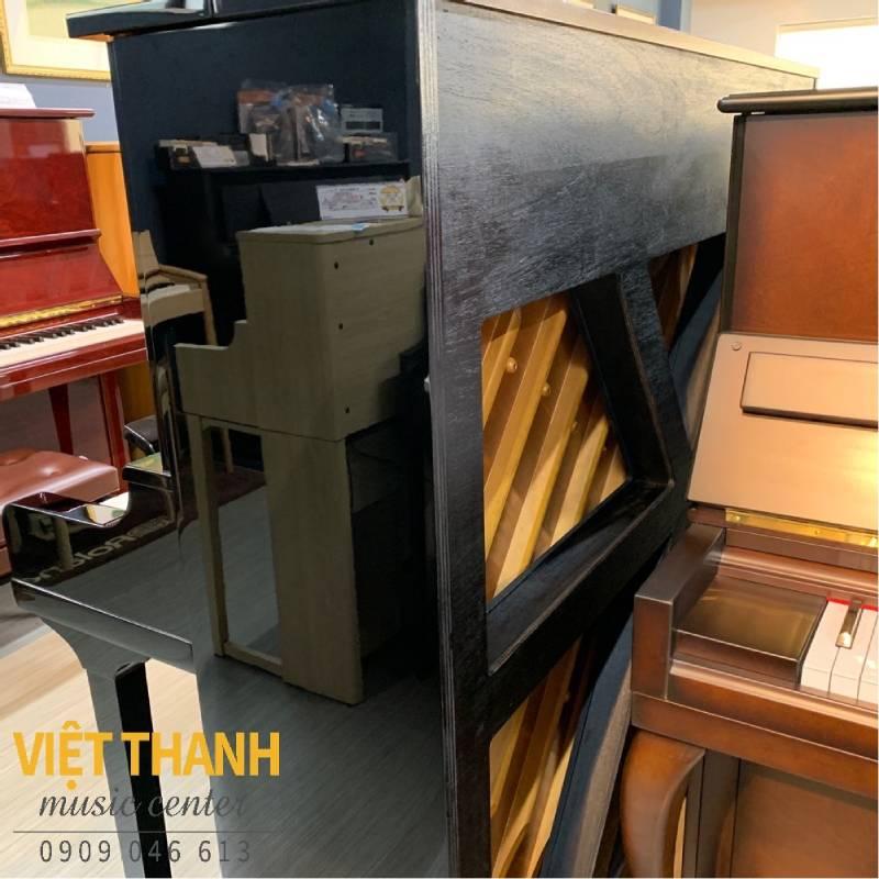 soundboard chu X piano yamaha ux30bl