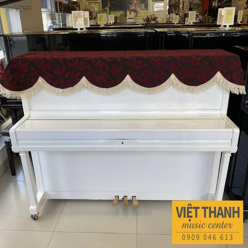 khan phu dan piano mau do den