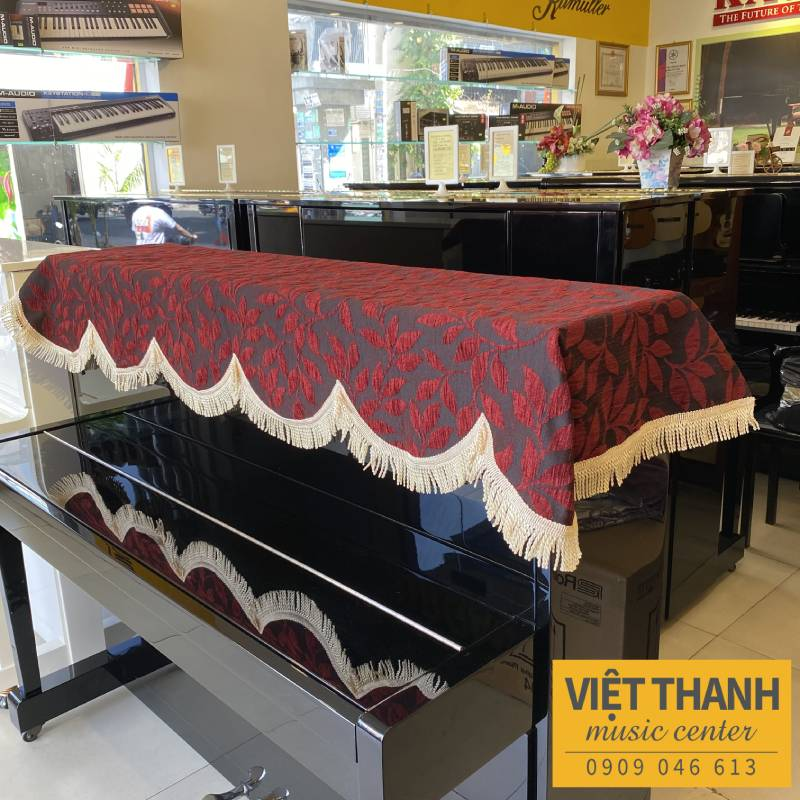 khan phu piano mau do den