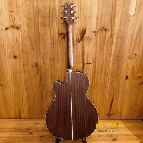 mat sau guitar Takamine GN20CE