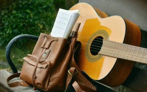 Đàn Guitar tốt nhất cho bàn tay nhỏ