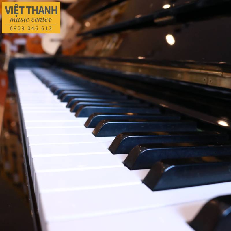 ban phim piano yamaha u2c